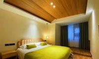 山上酒店:女神宾馆,460元/标间或三人间/非周末,优惠超值,东部索道上站,位置绝佳。