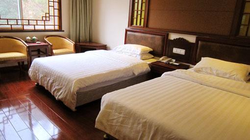 山下南星宾馆:260元/标间/非周末,不含发票,南部下四星级标准酒店,客房设施相当不错,新装修,超实惠。