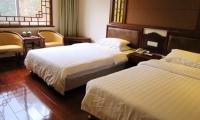 五一价:南星宾馆,420元/标间/29号,南部山下四星级标准酒店,客房设施相当不错,新装修,超实惠。