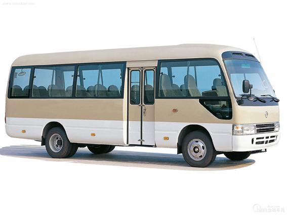 各类三清山旅游包车服务,预付定金50元,有4座小车、7座面包车、17座江铃全顺、19座考斯特、30-40多座宇通大巴。