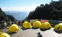 三清山女神宾馆帐篷,120元/双人帐/不分周末,提供开水喝,看日出超近,超酷超爽的体验。