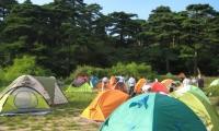 三清宫帐篷,120元/双人帐,需从东部金沙服务区自提(约8斤重),看日出超近,超酷超爽的体验。